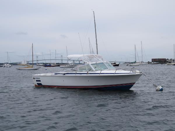 Bertram 26 Sport Convertible Starboard side in the water