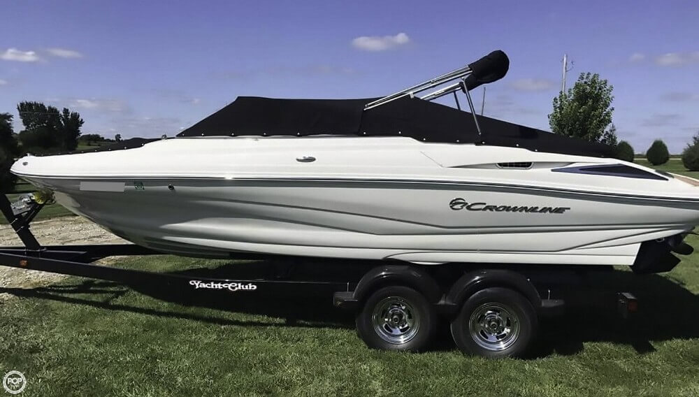 Crownline 225 SS 2016 Crownline 225 SS for sale in Waterloo, IA
