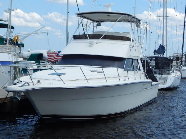 Tiara Yachts 4300 Convertible Profile