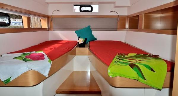 Nautitech 542 Twin Cabin