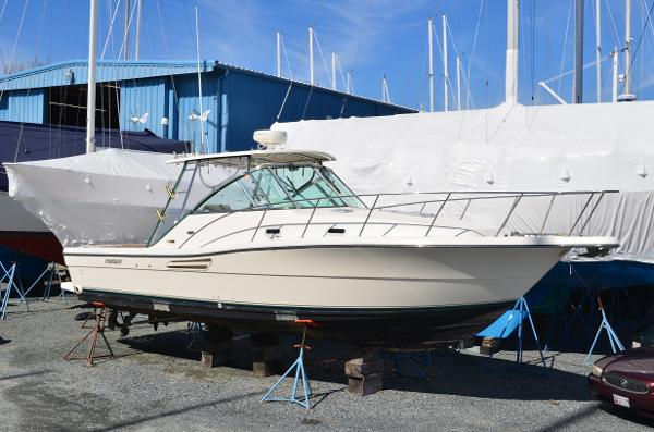 Pursuit 3000 Express 2003 Pursuit 3000 Express - Starboard