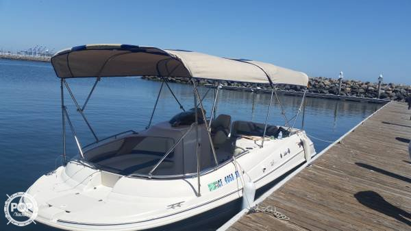 Larson Escape 213 Deck Boat 1998 Larson 21 for sale in Moreno Valley, CA