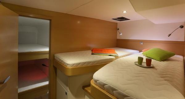Nautitech 482 Twin Cabin