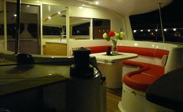Nautitech 442 Cockpit