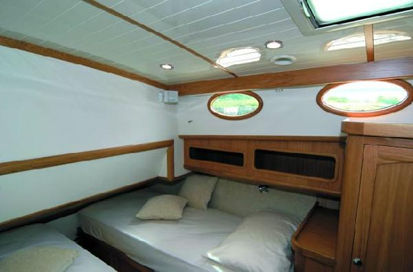 Dale Nelson Classic 45 Guest Cabin