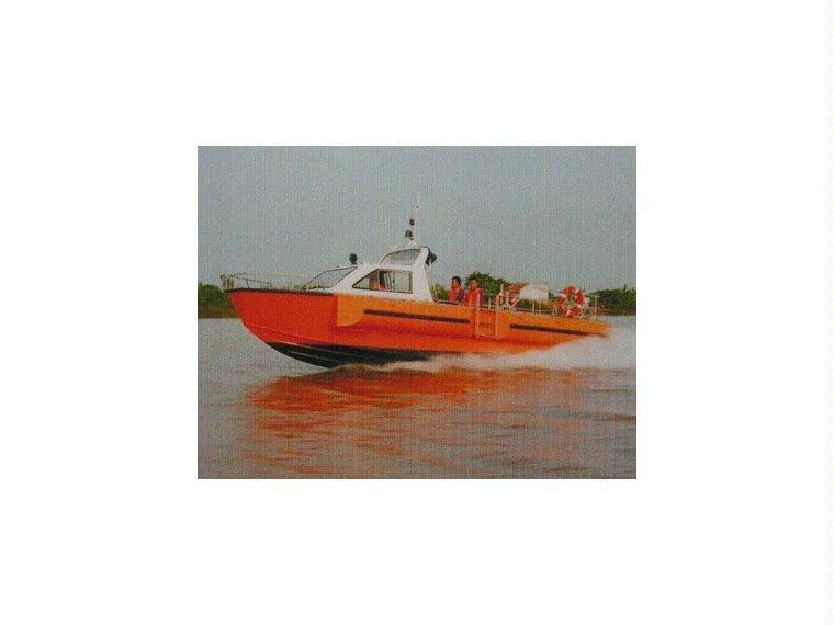Alu-Halbkajutboot Karelli 31