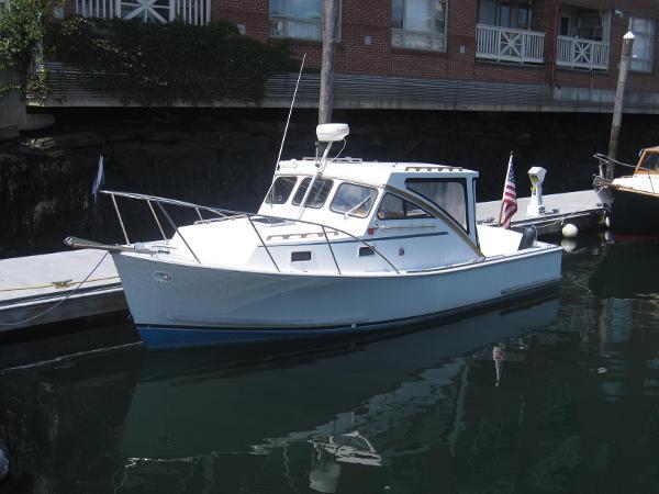 General Marine 26 Downeast Cruiser Bassboat