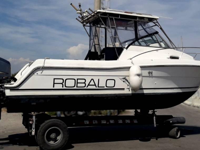 Robalo Boats Robalo 2440 SOLO SCAFO o con  2x 250Hp Yamaha 4T
