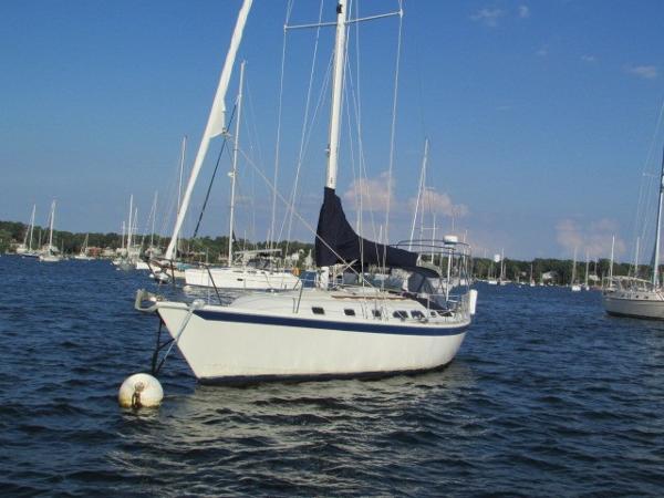 Ericson 38-200 Port