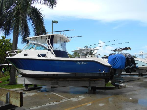 Edgewater 265 Express Port Side Aft