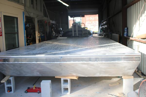 Barge 10 x 25