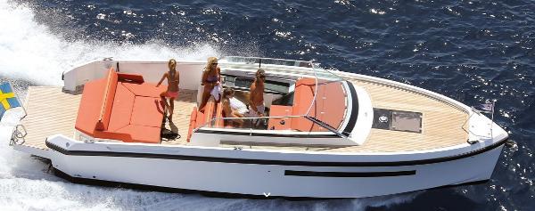 Delta Powerboats 33 Open