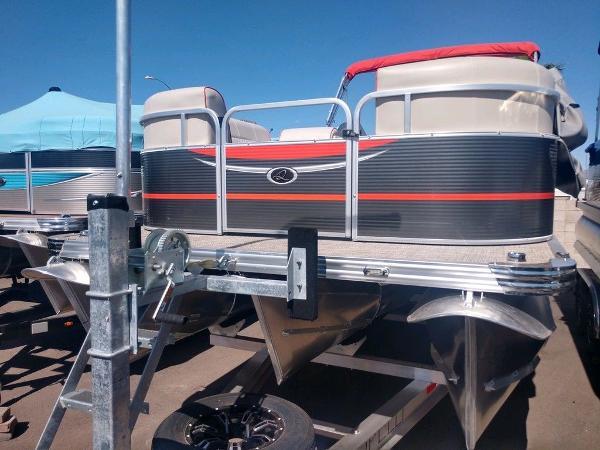 Apex Marine 822 XRE Cruise