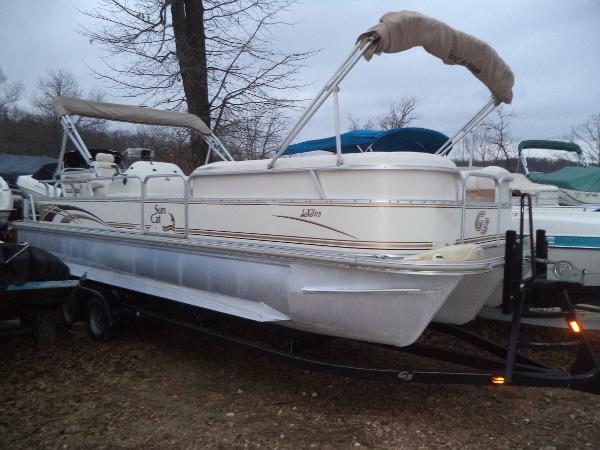 G3 Boats LX 25 C Tri-Toon