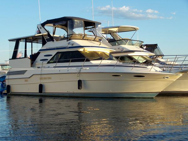 Sea Ray 410 Aft Cabin Main photo