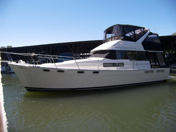 Bayliner 3888 Motoryacht Main photo