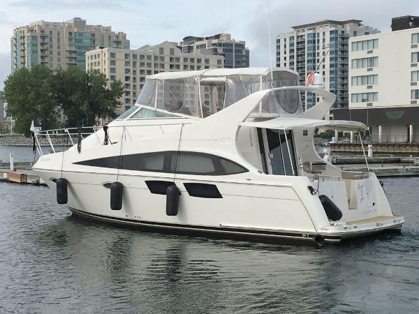 Carver 36 Mariner Port Profile