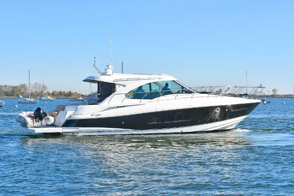 Cruisers Yachts 45 Cantius Starboard Side