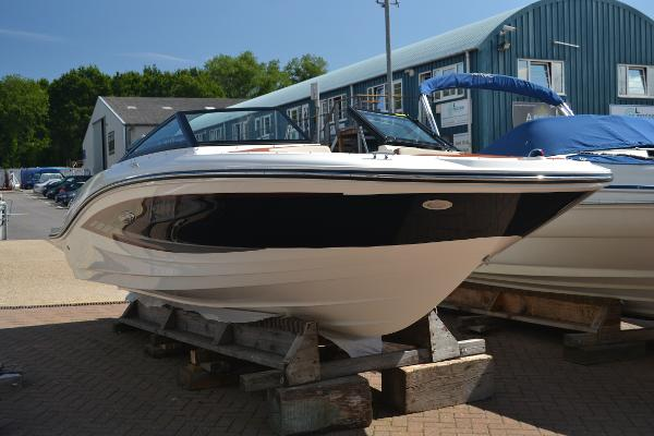 Sea Ray 19 SPXE Main