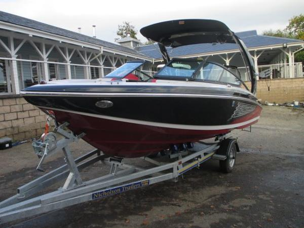 Regal 2100 RX SURF BOAT