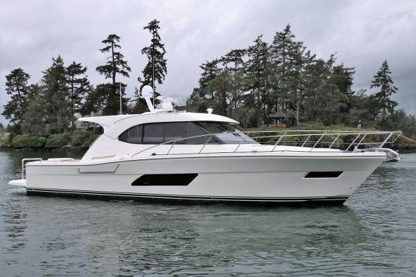 Riviera 445 SUV