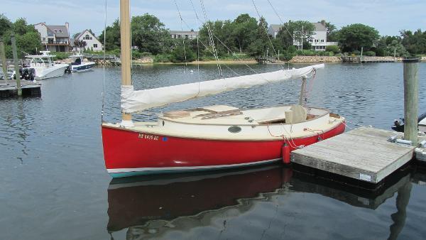 Marshall 22 Cat Boat