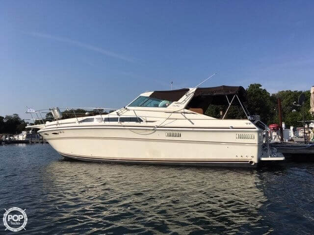 Sea Ray 360 SRV Express Cruiser 1982 Sea Ray 360 SRV Express Cruiser for sale in Portage, IN