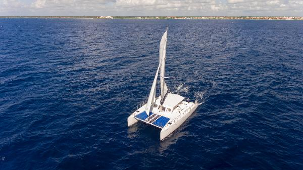 Catamaran Cruisers Contoy 65