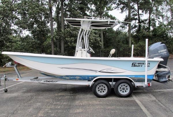 Carolina Skiff 218 DLV Series