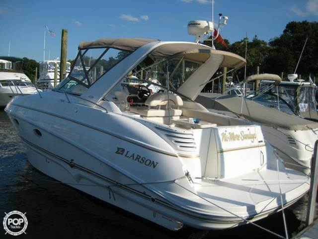 Larson Cabrio 310 2004 Larson Cabrio 310 for sale in Oyster Bay, NY