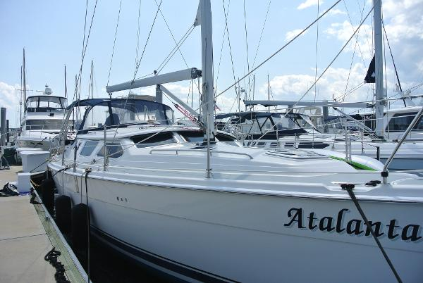 Hunter 44 Deck Salon Hunter 44 Deck Salon