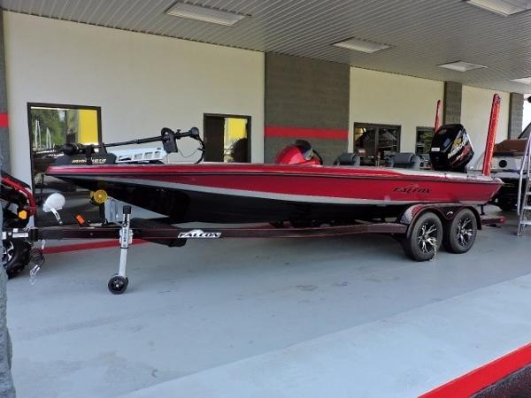 Falcon Boats F215