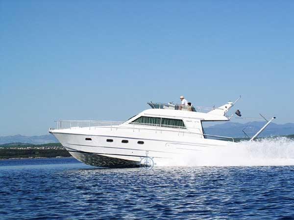 Ferretti Yachts ALTURA 39 FLY Image #1