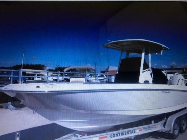 Boston Whaler Dauntless 270