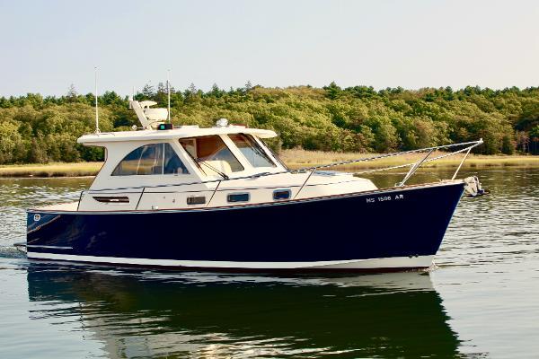 Legacy Hardtop Express starboard profile