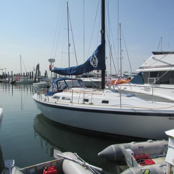 Ericson 32 MKIII Starboard