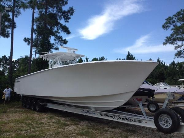SeaHunter 41 with Trailer