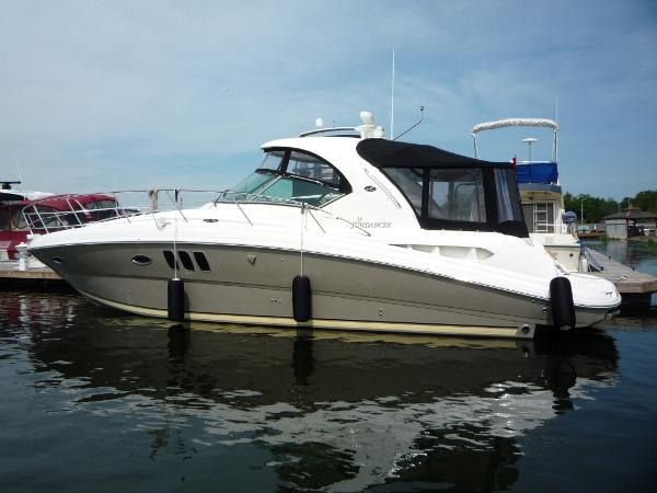 Sea Ray 38 Sundancer profile