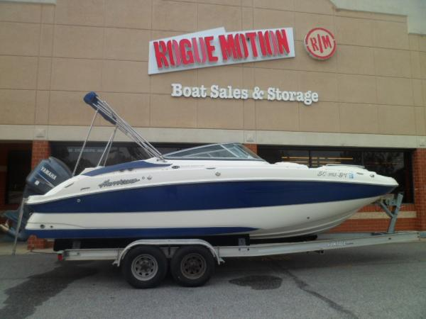 Hurricane 2400 SUNDECK STARBOARD ON TRAILER