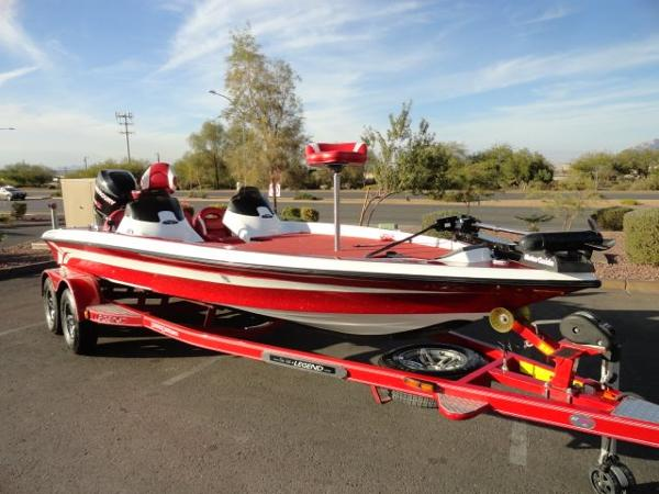 Legend Boats Alpha 211 DCX
