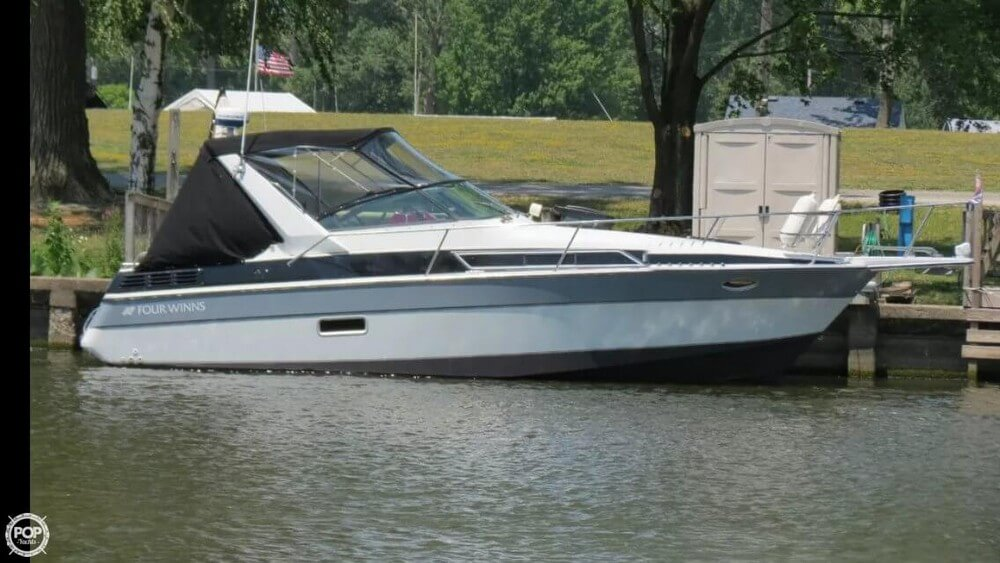 Four Winns 285 Vista 1988 Four Winns 285 Vista for sale in Greencastle, IN
