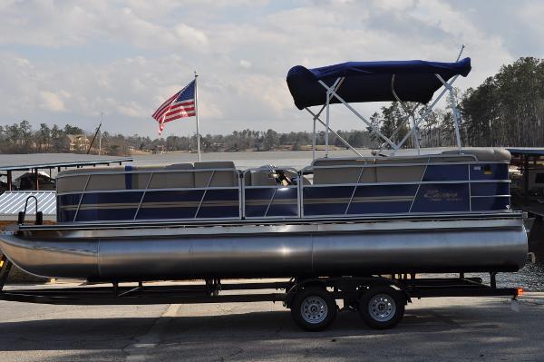 Encore Boat Builders Bentley Cruise 240