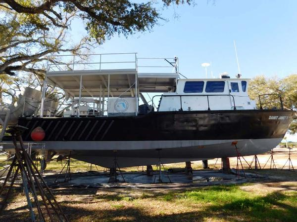 Derecktor Custom Research Recovery Starboard Profile
