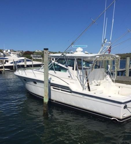 Tiara Yachts 4100 Open Port Side