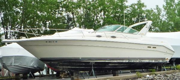 Sea Ray 330 Express Cruiser port side