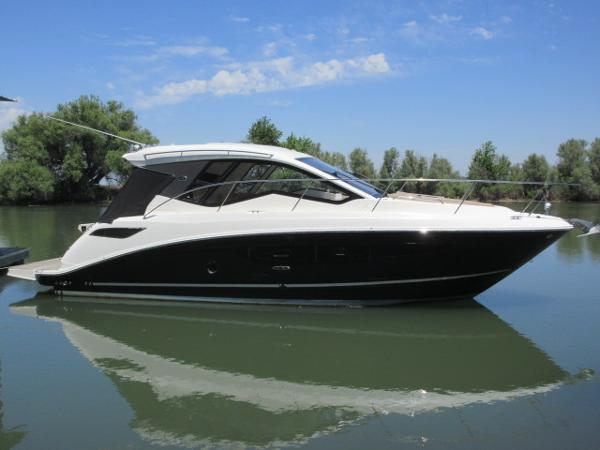 Sea Ray 350 Coupe MAIN PHOTO