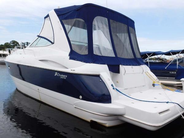 Cruisers Yachts 3672 Express Cruiser Profile