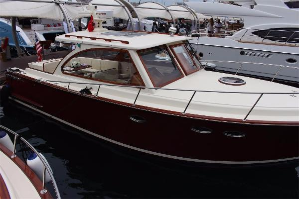 Vicem 36 Windsor Craft Starboard profile (dated or sister photo)
