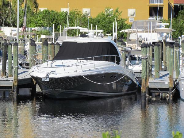 Sea Ray 420 Sundancer with Hardtop