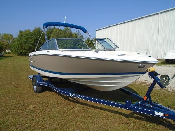 Cobalt Boats 200S